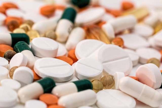 headache-pain-pills-medication-159211.jpeg